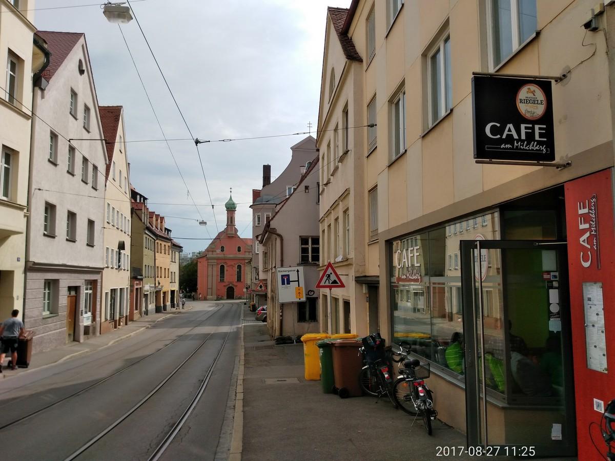 Cafe Milchberg Augsburg – Einrichtung der Caritas